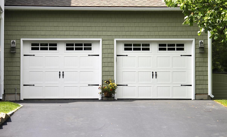 HOW TO CHOOSE THE GARAGE DOOR
